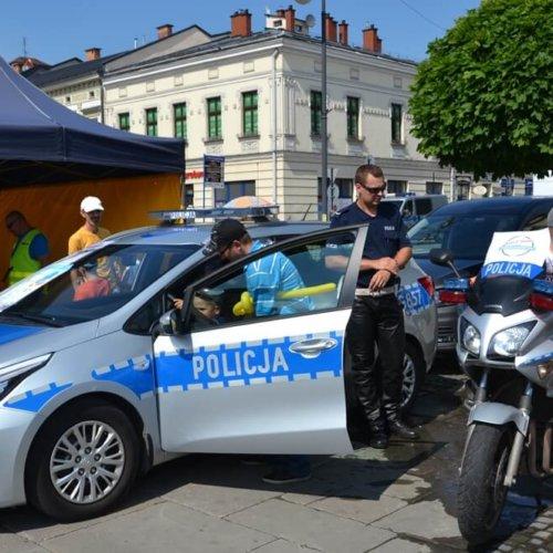 """Inauguracja """"Bezpiecznych Wakacji 2017"""" z sądeckimi policjantami"""